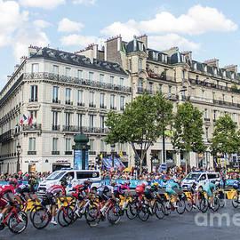 Tour de France on Champs-Elysees by Tessa Petry