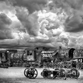 Train Graveyard Uyni Bolivia 21 by Bob Christopher