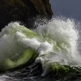 Turbulance at Sea by Wes and Dotty Weber