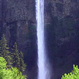Upper Multnomah Falls by Douglas Taylor
