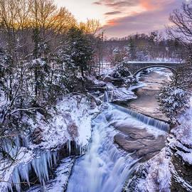 Upper Taughannock Falls In Winter by Mark Papke