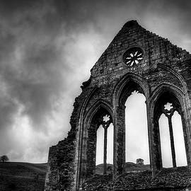 Valle Crucis Abbey by Dave Bowman