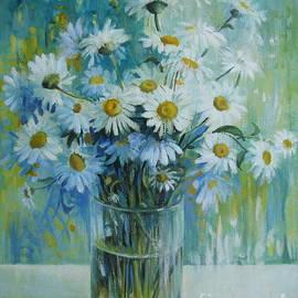 Vase with daisies by Elena Oleniuc