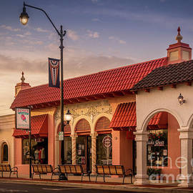 Venice Avenue Creamery in Venice, Florida by Liesl Walsh