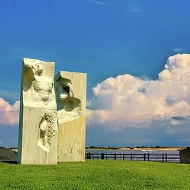 Veteran's Park Atlantic Highlands New Jersey by Geraldine Scull