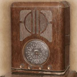 Vintage Radio by Rick Davis
