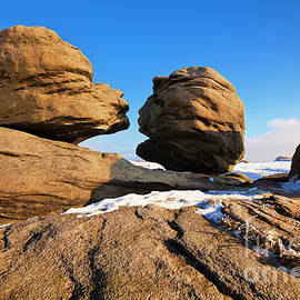 Wain stones or Kissing stones, Bleaklow, Peak district national park, Derbyshire, England by Neale And Judith Clark
