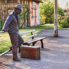 Waiting for the train - Urban art in Nonnenhorn, Germany by Tatiana Travelways