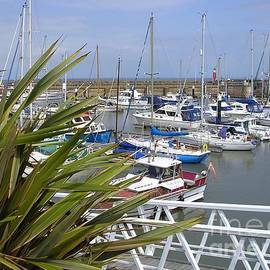 Watchet Harbour, Somerset UK by Lesley Evered