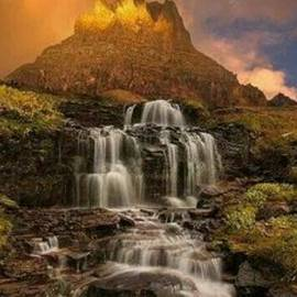 Water stream by Eric Villalovos