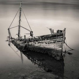 West Tarbert Wreck by Dave Bowman