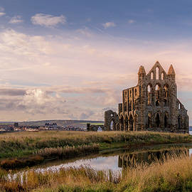 Whitby abbey by Chris Smith