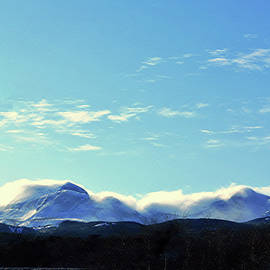 Windstorm on Calf Robe Mountain by Tracey Vivar