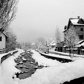 Winter in the pyrenees. by Abrahan Fraga