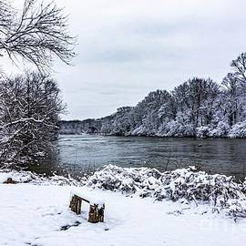 Winters Rest by Richard Thomas