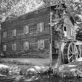 Wolf Creek Grist Mill in black and white