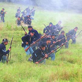 Yankee Skirmishers Advance - DWP1088231 by Dean Wittle