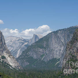 Yosemite Tunnel View by Shawn Dechant