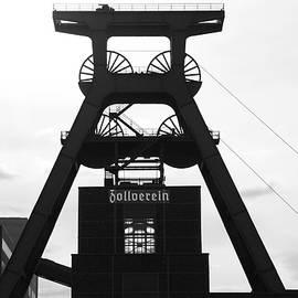 Zeche Zollverein by Angelika Vogel