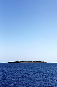 Scenic View Of Beachcomber Island by Jill Schneider