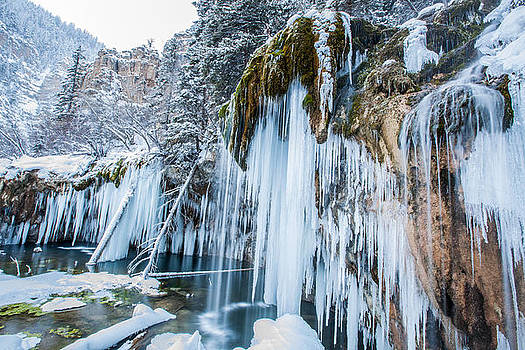 Hanging Lake by Tom Cuccio