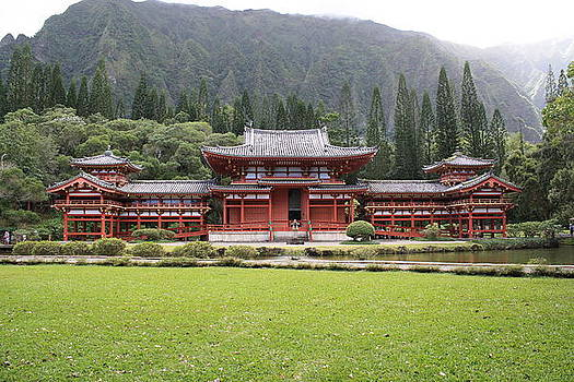 Byodo In Temple by Brandon Radford