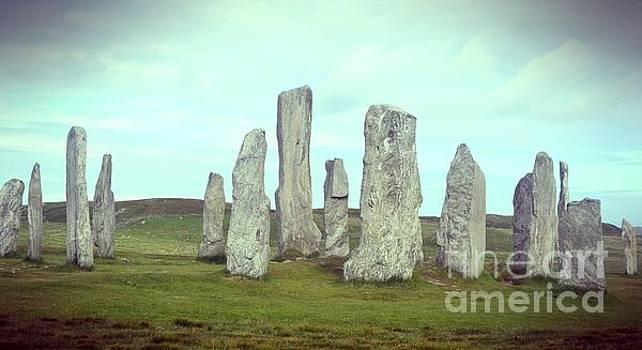 Callanish Standing Stones by Miryam  UrZa