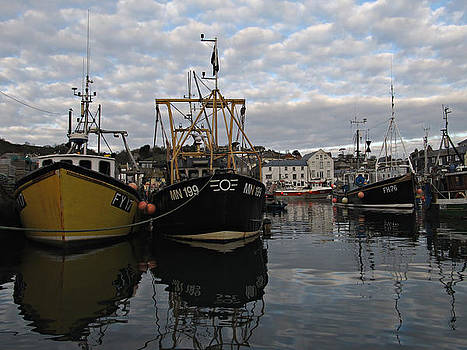 Cornwall Mevagissey harbor by Kiril Stanchev