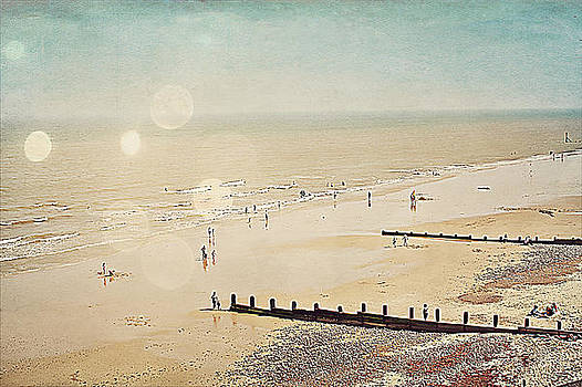 Cromer Seaside Norfolk by Rosanna Zavanaiu