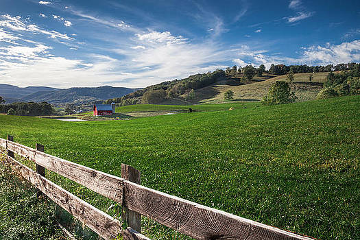 Farm Living by Lee Wellman
