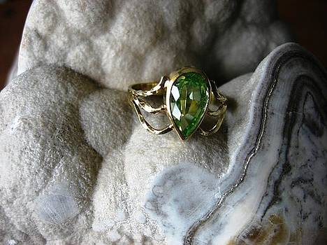 Golden spring touch - ring by Leo Wildner