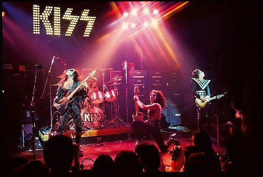 Kiss Alive 1974-75 by Edward Przydzial