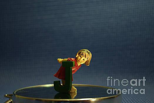 Little girl by Paulo Simao