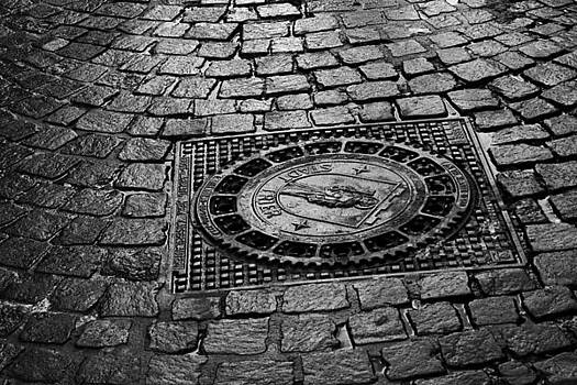 Manhole Cover - Stadt Trier by Steve Raley