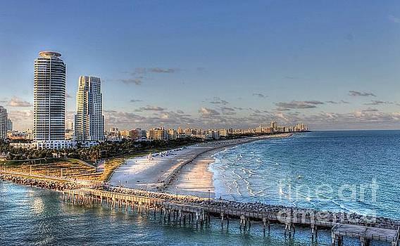 Miami Beach Sunset by Ines Bolasini
