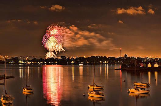 New Year's fireworks at Sea World by Kayta Kobayashi