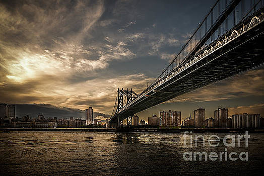 NYC - Manhatten Bridge - HDR- sun by Hannes Cmarits