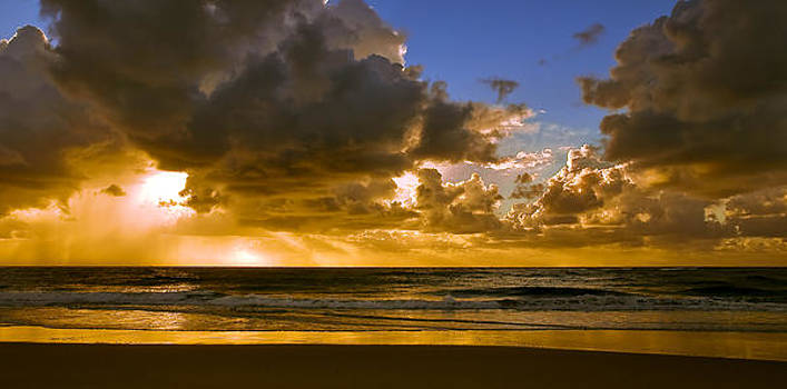 Ocean Sunrise by Tony Steinberg