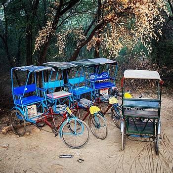 Parked Rickshaw by Hitendra SINKAR