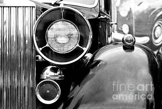 Rolls Royce by Evgeniy Lankin