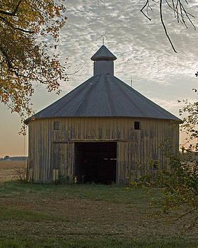 Round Barn by Bill Field