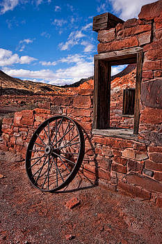 Rusty Wheel by Rick Lewis