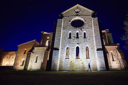 San Galgano by night by Franco Farina