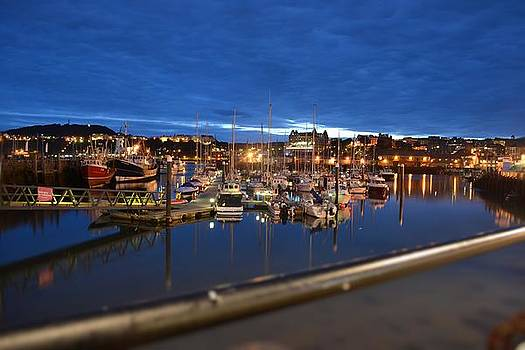 Scarborough Bay by Dave Woodbridge