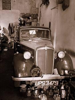 Vintage Car by Salman Ravish