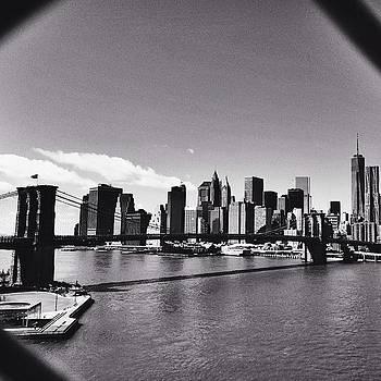 ⬜️⬛️ #blackandwhite #newyork by Kerri Green