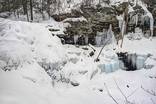Gene Walls -  Erie Falls Under Old Man Winter