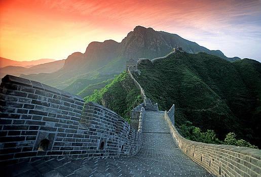 Dennis Cox -  Huangyaguan wall