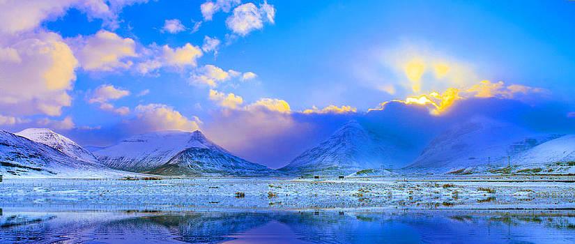 Julia Apostolova -  Icelandic Evanescent Light