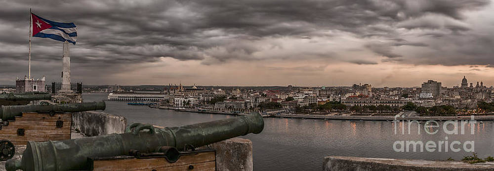 La Habana Cuba by Jose  Rey